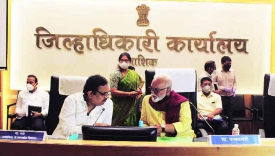 Adarsh Maharashtra | गुजरातकडे जाणारे पाणी दुष्काळी भागास देणार......