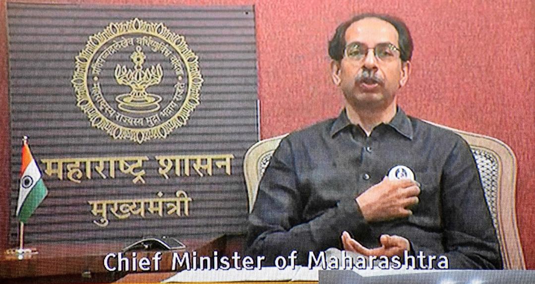 Adarsh Maharashtra   कोरोनाविरुध्द लढा निर्णायक वळणावर  आजही मास्क हीच आपल्यासाठी लस-...