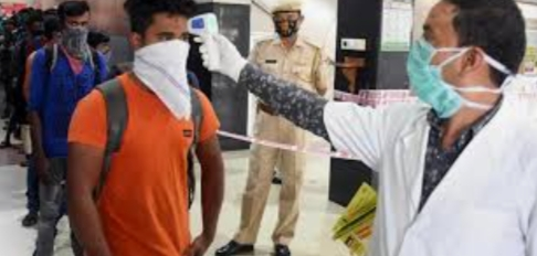 Adarsh Maharashtra   राज्यात परप्रांतीय कामगारांची वापसी सुरु पोलिसांकडून योग्य खबरदारी