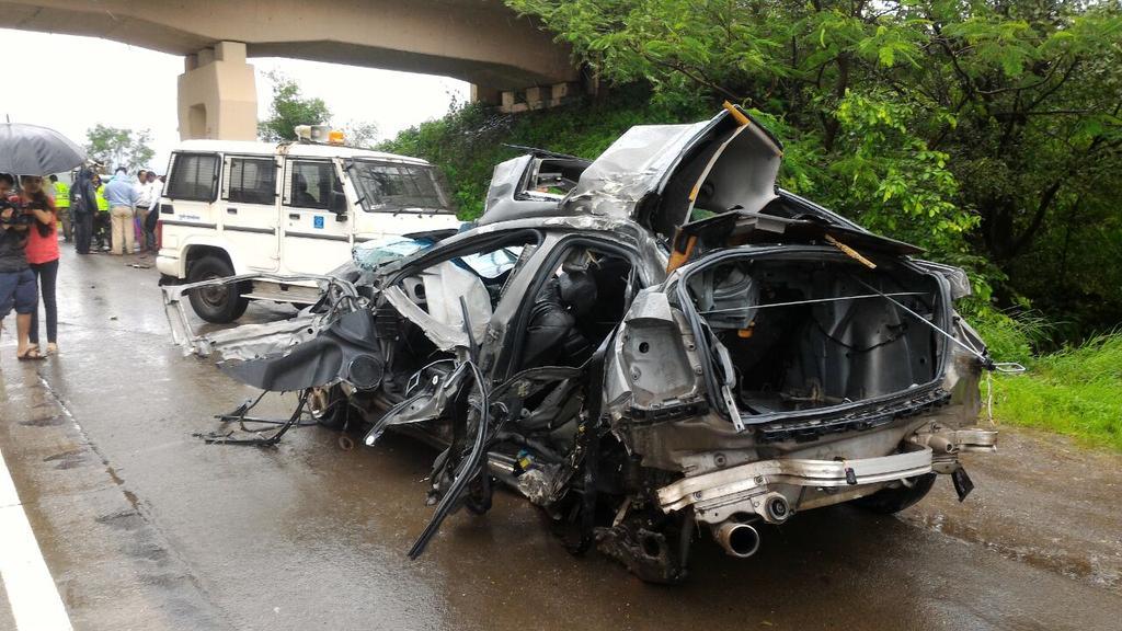 Adarsh Maharashtra | मुंबई-पुणे एक्स्प्रेस अपघातात चार ठार, दोघांची प्रकृती चिंताजनक