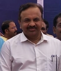 Adarsh Maharashtra | भाजपच्या पारदर्शक कारभाराला गालबोट; फडणवीसांच्या आदेशाला कामगार सचिव...