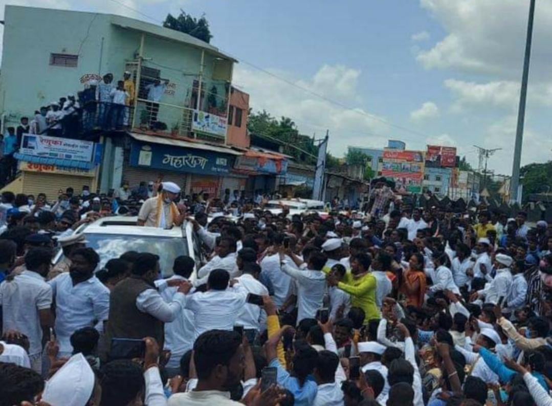 Adarsh Maharashtra   लॉकडाऊनच्या नियमांचे उल्लंघन केल्यामुळे प्रकाश आंबेडकरांविरुद्ध...