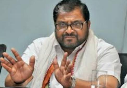 Adarsh Maharashtra | उध्वस्त झालेल्या कुटुंबाचं दुख: दिसत नाहीपण भाजपाची तळी उचलणाऱ्या...