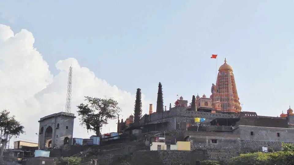 Adarsh Maharashtra | श्रावण सोमवार निमित्त:ऐतिहासिक पौराणिक कथांशी जोडलेलं एक रम्य ठिकाण शिखर...