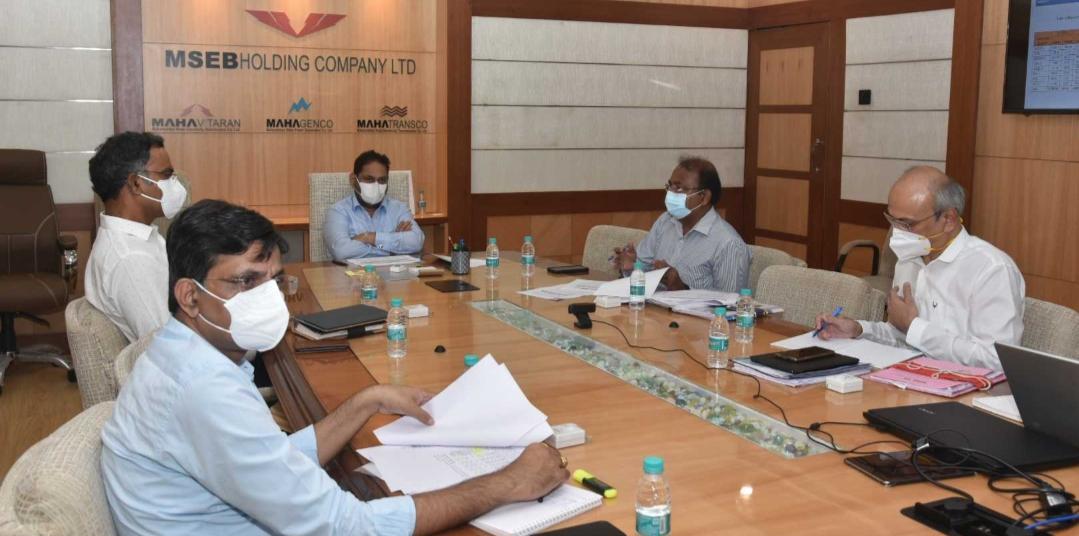 Adarsh Maharashtra | महापारेषणच्या मनोऱ्यांवरुन 'ऑप्टिकल फायबर'!वीजव्यवस्थेतील दुरुस्तीची...