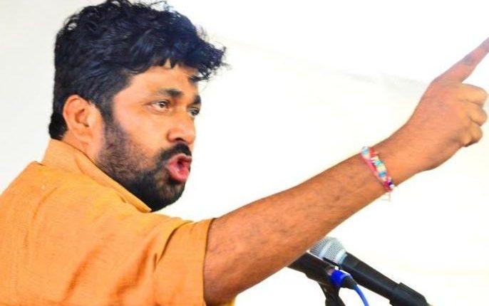 Adarsh Maharashtra | धडाकेबाज आमदार 'बच्चू कडू' यांच्याशी महाराष्ट्रातील विविध प्रश्नांवर 'आदर्श महाराष्ट्र'ने साधलेला संवाद!