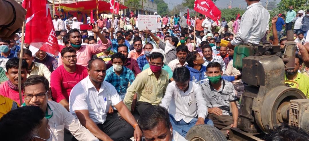 Adarsh Maharashtra   अदानी इलेक्ट्रिसिटीच्या विरोधात माकप आमदार विनोद निकोले यांचे जोरदार...