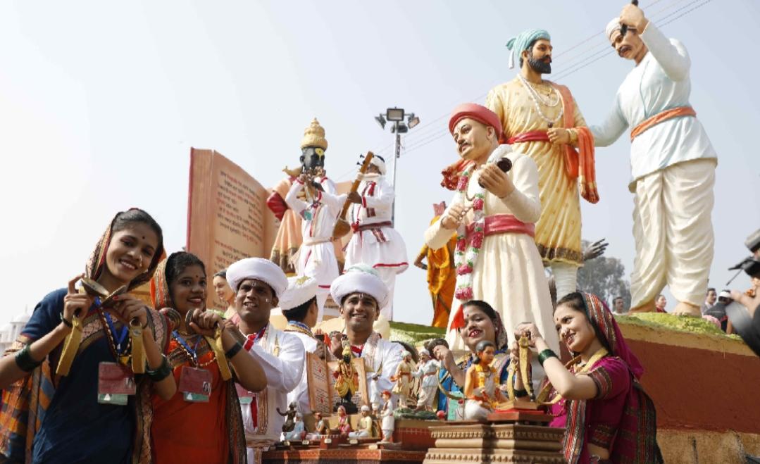 Adarsh Maharashtra | प्रजासत्ताक दिनासाठी महाराष्ट्राची वारकरी संत परंपरा चित्ररथ सज्ज