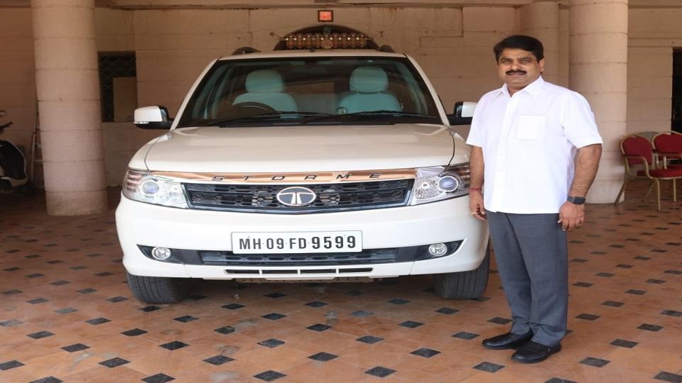 Adarsh Maharashtra   सतेज पाटील यांच्या ९५९९ ची कार्यकर्त्यांत क्रेझ '