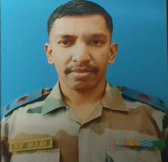 Adarsh Maharashtra | दहशतवादयांच्या स्फोटात पुण्यातील मेजर शशिधरण नायर शहीद
