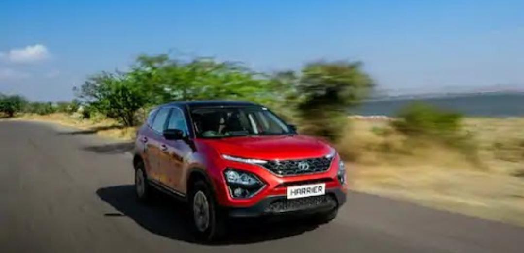 Adarsh Maharashtra   मोदी सरकारचा महत्त्वाचा निर्णय,कारमध्ये 'हे' फिचर्स आता बंधनकारक!