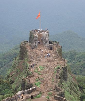 Adarsh Maharashtra | इतिहास विकणे आहे..