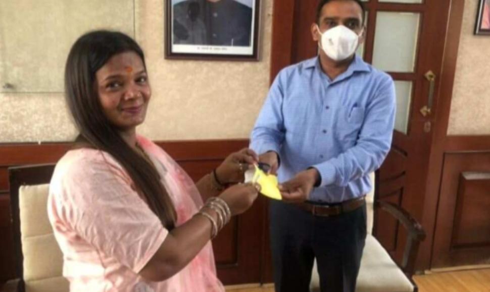 Adarsh Maharashtra   मास्क परिधान न करणाऱ्या पालघर जिल्हा परिषद अध्यक्षांना दंड