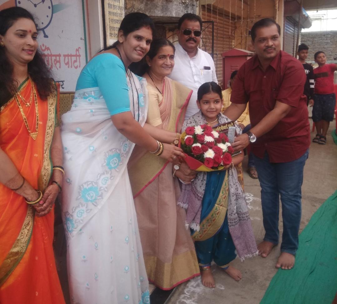 Adarsh Maharashtra   अंबरनाथ राष्ट्रवादी कॉंग्रेस महिला आघाडी कडुन अंगणवाडी सेविकांचा सन्मान .