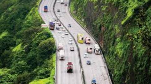 Adarsh Maharashtra | द्रुतगती महामार्गावर सी.सी.टी.व्ही. बसवण्याची योजना बासनात......