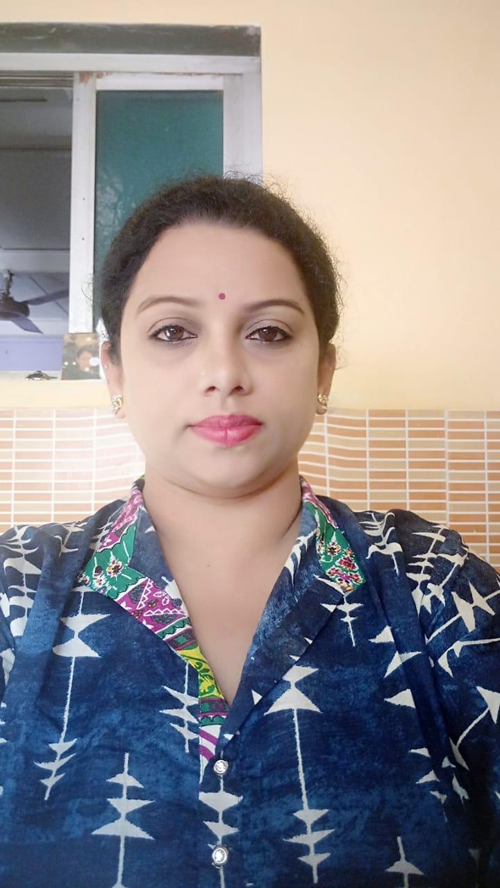 Adarsh Maharashtra   साहित्यिका मेधा जाधव यांची मराठी साहित्य मंडळाच्या गोवा प्रदेश अध्यक्ष...