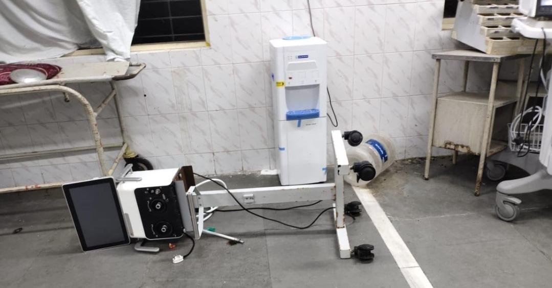 Adarsh Maharashtra | रुग्ण दगावल्याने संतप्त नातेवाईकांचा रुग्णालयावर सशस्त्र हल्ला;...
