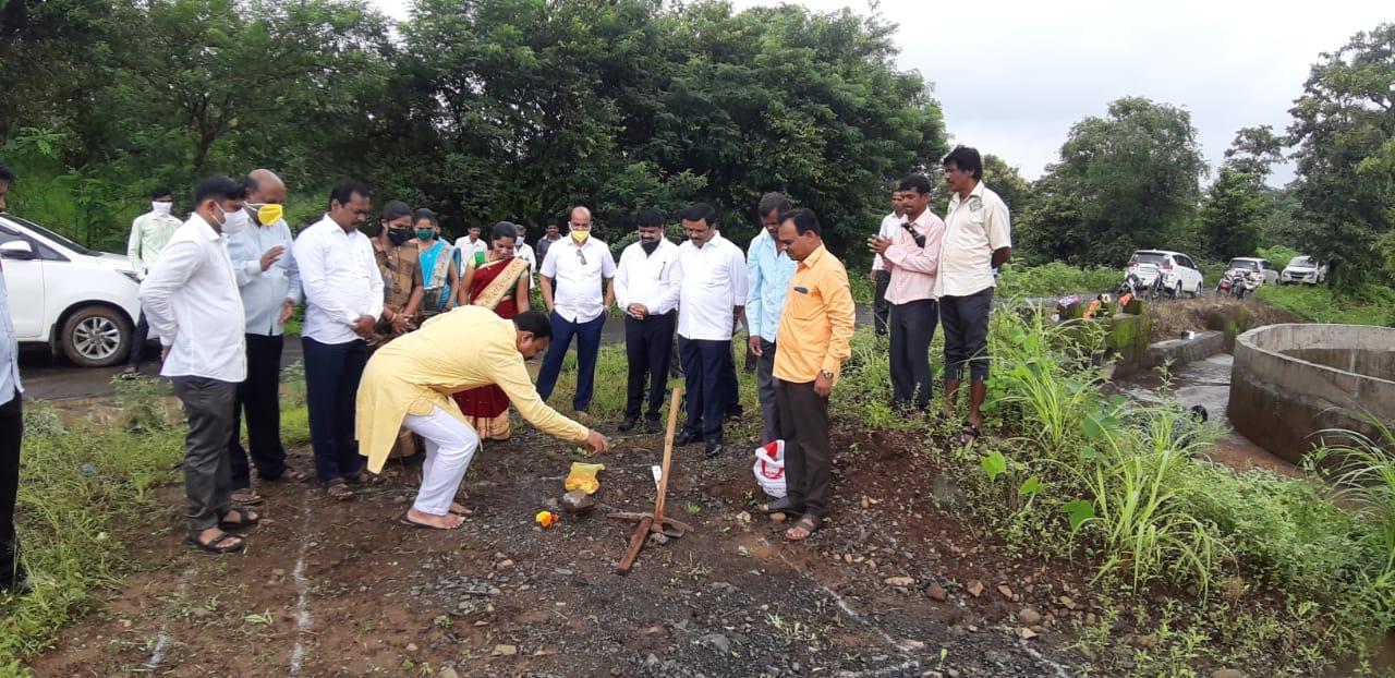 Adarsh Maharashtra | पेंढरघोळ येथे पाणी योजनेचे भूमिपूजन तर जलकुंभाचे लोकार्पण