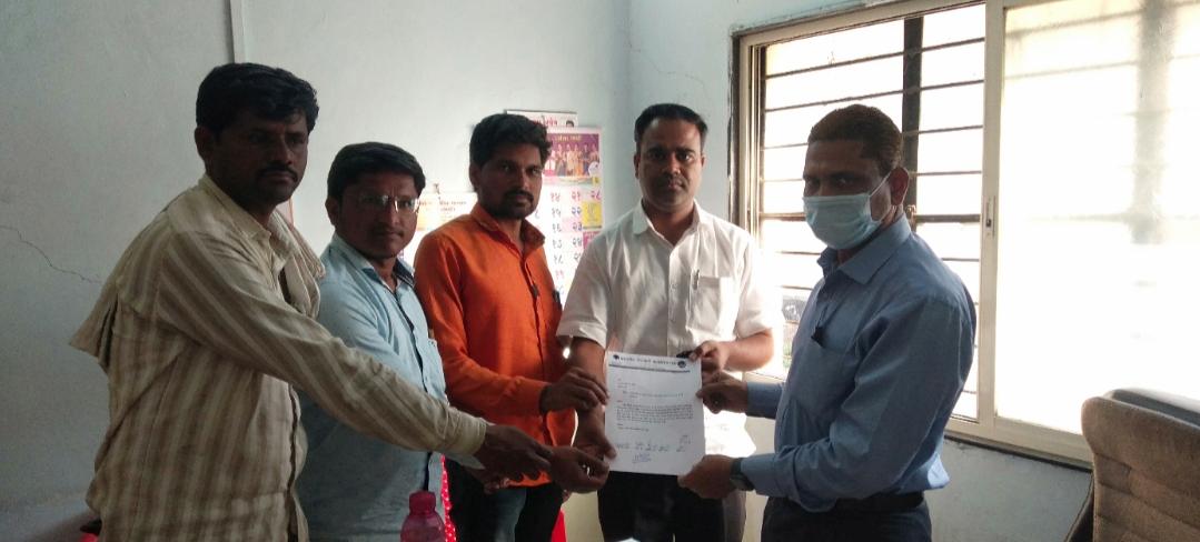 Adarsh Maharashtra | विद्युत वितरण कंपनीचा भोंगळ कारभार थांबवा शेकापची मागणी शॉर्टसर्किटने...