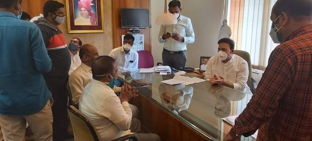 Adarsh Maharashtra | सातारा राष्ट्रवादी पक्ष कार्यालयात आ. शशिकांत शिंद यांचा जनतेसाठी जनता...