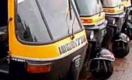 Adarsh Maharashtra | रेल्वेसेवा बंद असल्याने रिक्षा व्यवसायाला उतरती कळा ;कोरोनच्या भीतीने...